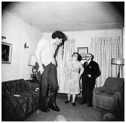 Diane Arbus - Jewish Giant - 1970