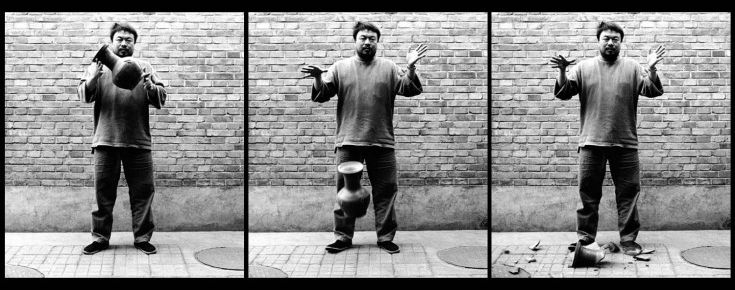 Ai Weiwei - Dropping an Han dynasty urn